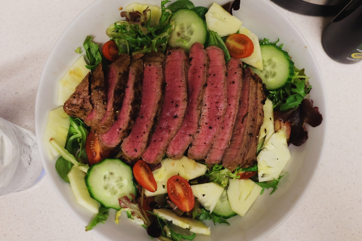 Simple Balsamic Steak Salad
